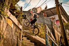 Julien Dupont Trial X Sessions Rio de Janeiro_Action_Fotógrafo Guilber Hidaka_Red Bull Content Pool