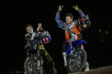 Tom Pagès y Clinton Moore en Red Bull X-Fighters Abu Dabi 2015_Photo_Jorg Mitte r_Red Bull Content Pool